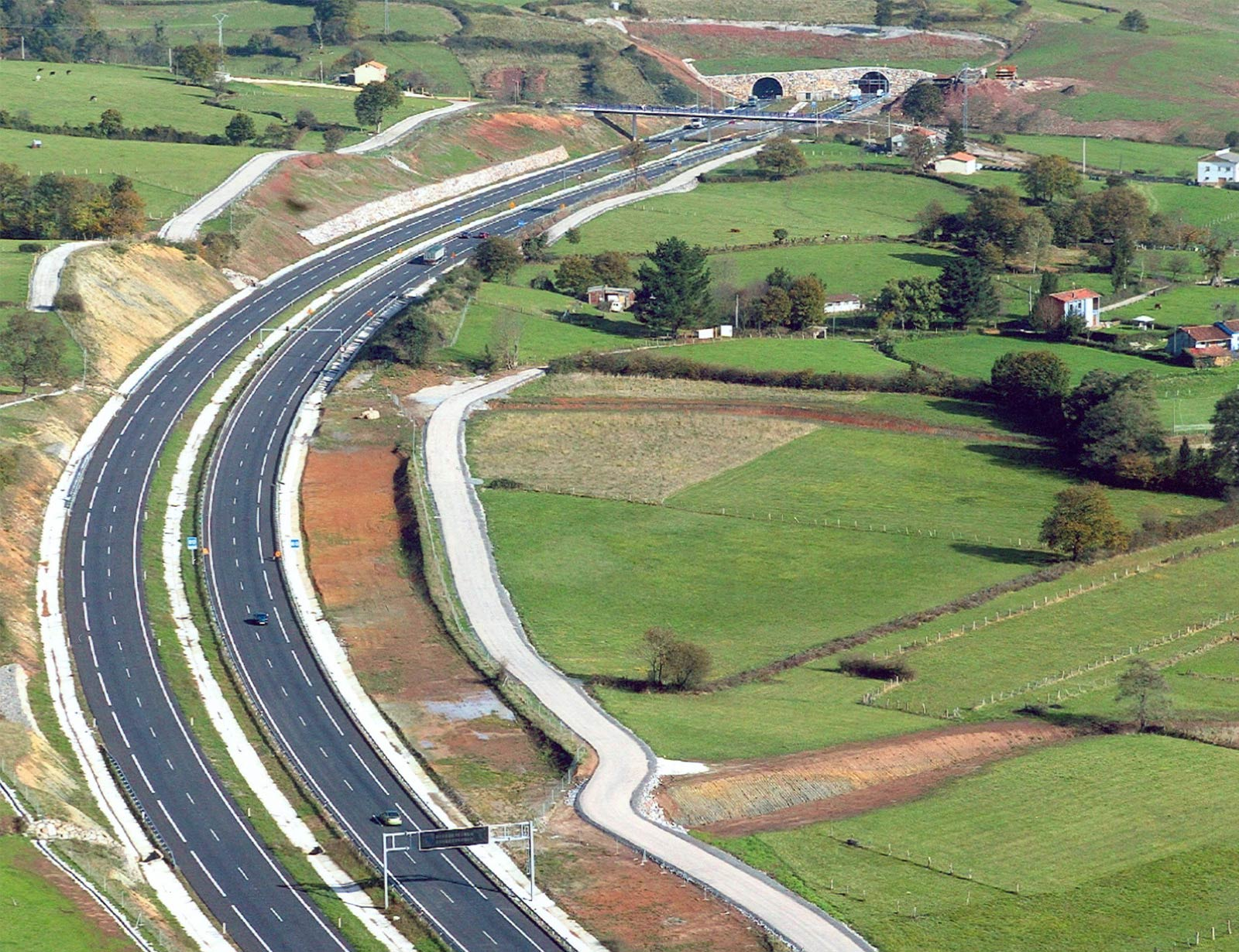 A-8 HIGHWAY: LIERES VILLAVICIOSA SECTOR. ASTURIAS, SPAIN